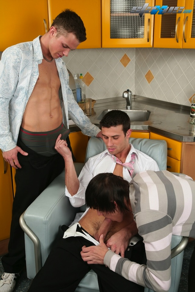 Two horny guys team up to fuck some hot twink ass in this gay threesome (1)