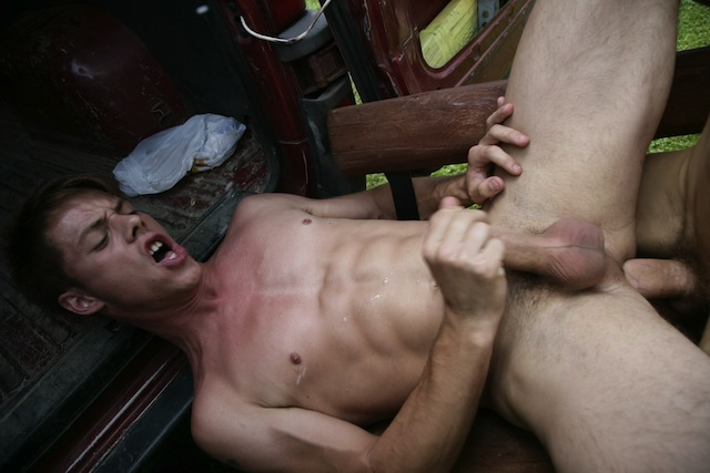 Thomas Dyk gets bareback fucked outside by his hot buddy Jose Manuel (4)