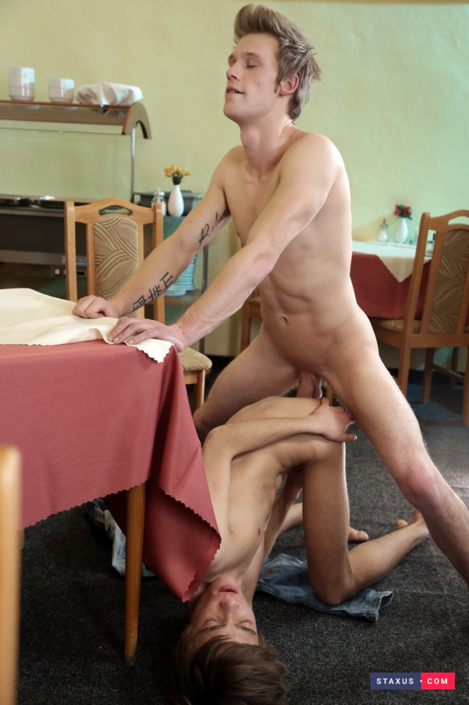 fucked-on-the-table-06