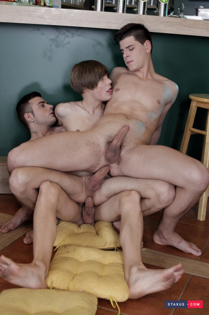 big-dicked-three-way-12