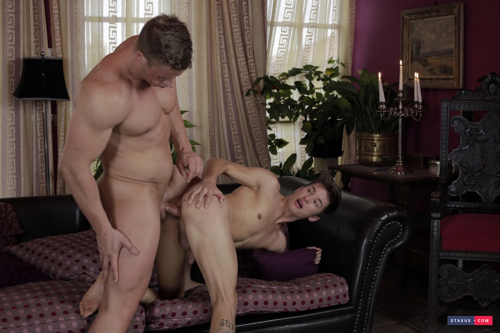 Angel-Lopez-gets-a-hard-muscle-cock-3